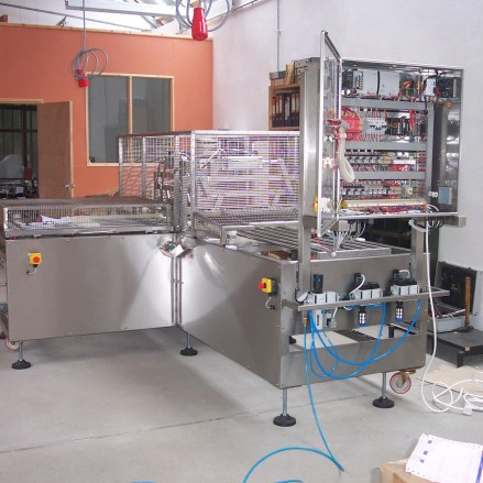 Tray Cutting Machine
