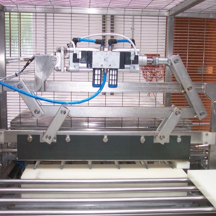 Tray Cutting Machines